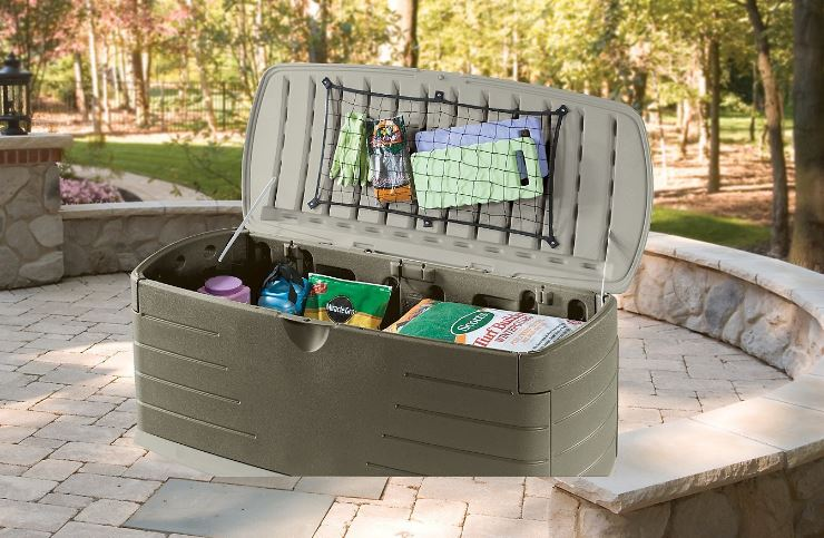 Rubbermaid Deck Box - Great for storing Gardening Equipment and Lawn Supplies