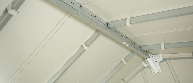 Grosfillex Sturdy Roof Structure