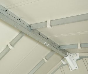 Grosfillex's Central Ridge Beam Delivers Reinforced Support