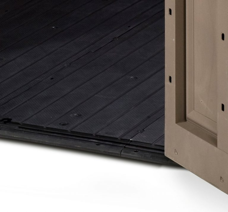 Built-In heavy-duty floor panel